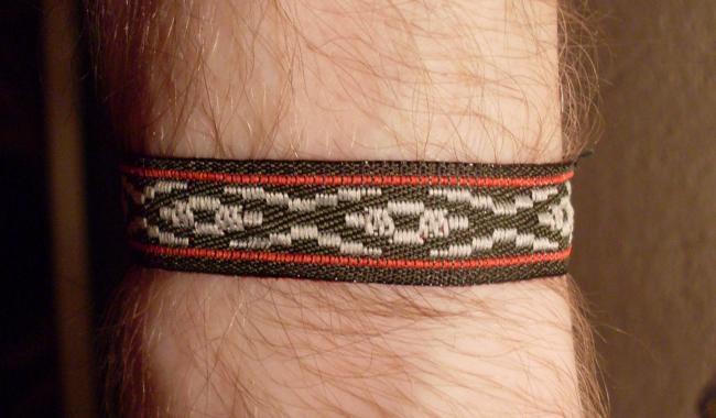 bracelet ribbon - front