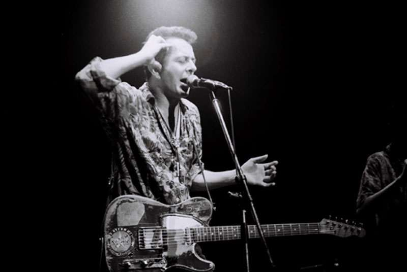 Joe Strummer z The Pogues w Japonii, 1992